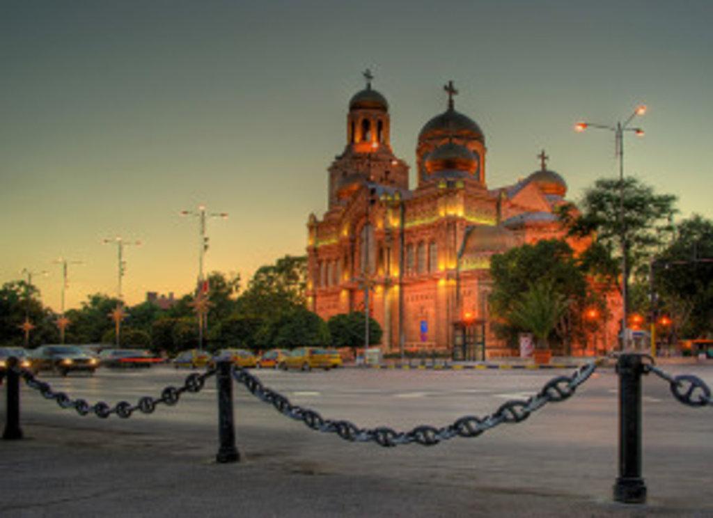 Храм Успіння Пресвятої Богородиці у Варні