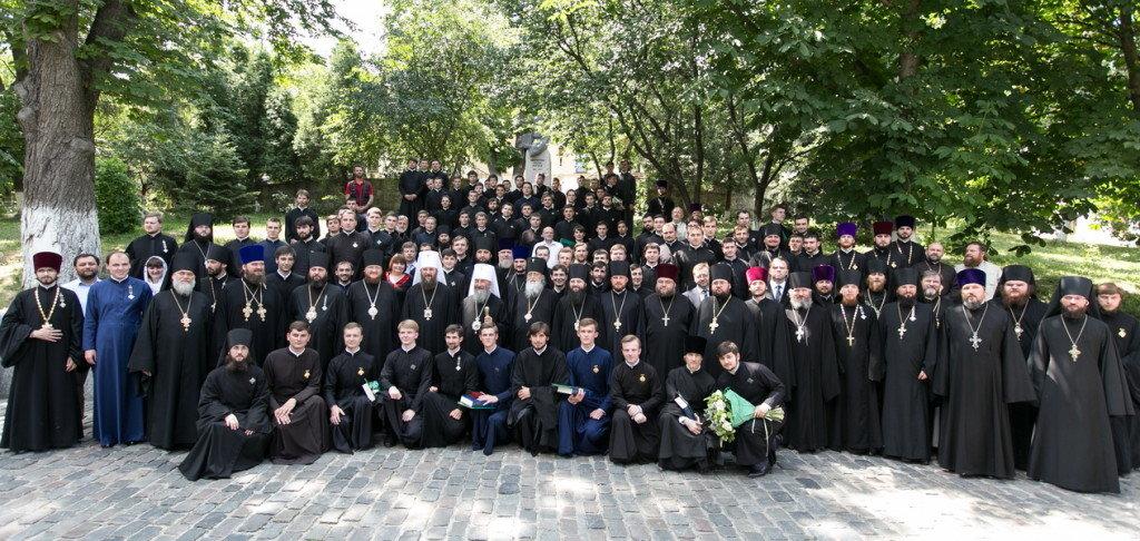 Предстоятель УПЦ очолив випускний акт у Київській духовній академії