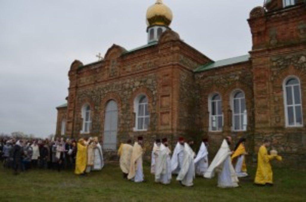 Свято-Миколаївський храм відбудовували всією округою