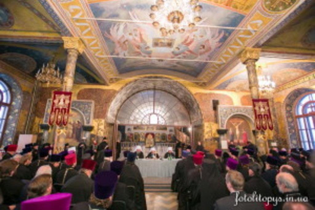 28 грудня в Трапезному храмі преподобних Антонія і Феодосія Печерських Свято-Успенської Києво-Печерської Лаври відбулися щорічні єпархіальні збори духовенства Київської єпархії