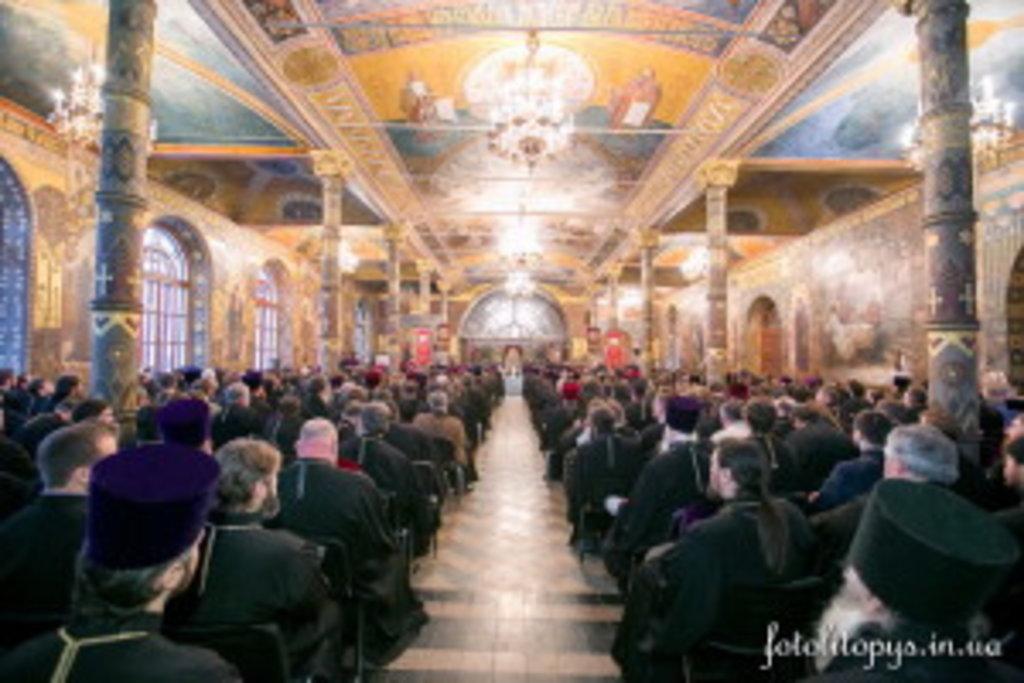 На зібранні були присутні 698-м кліриків Київської єпархії
