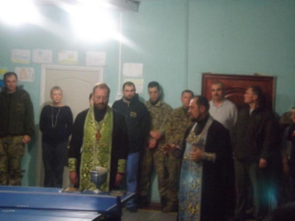 Вінницькі священики відвідали воїнів-земляків на Сході