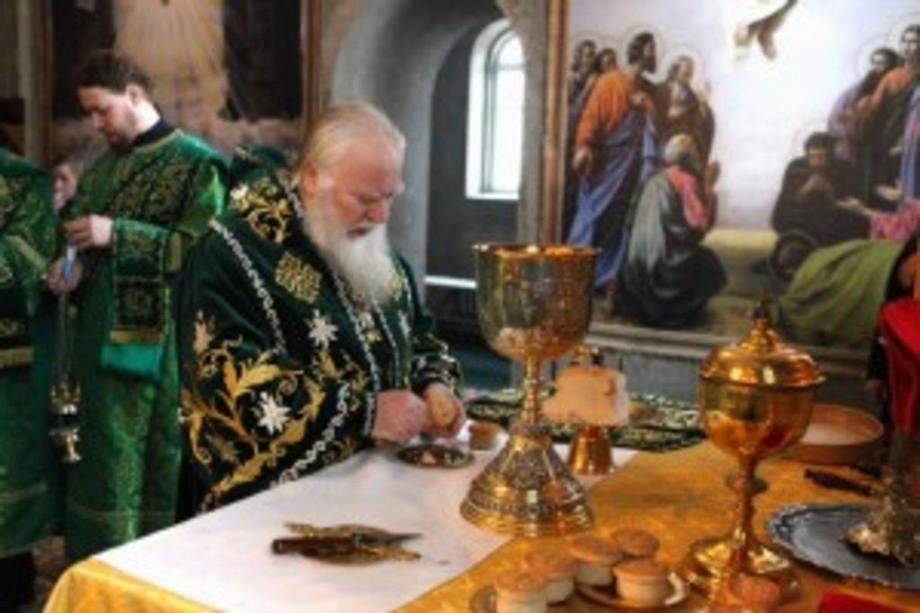 Божественну літургію з нагоди свята очолив митрополит Хустський і Виноградівський Марк