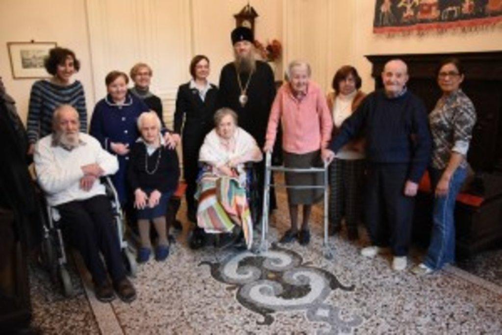 По закінченні виступу архієпископ Лука відвідав будинок для людей літнього віку
