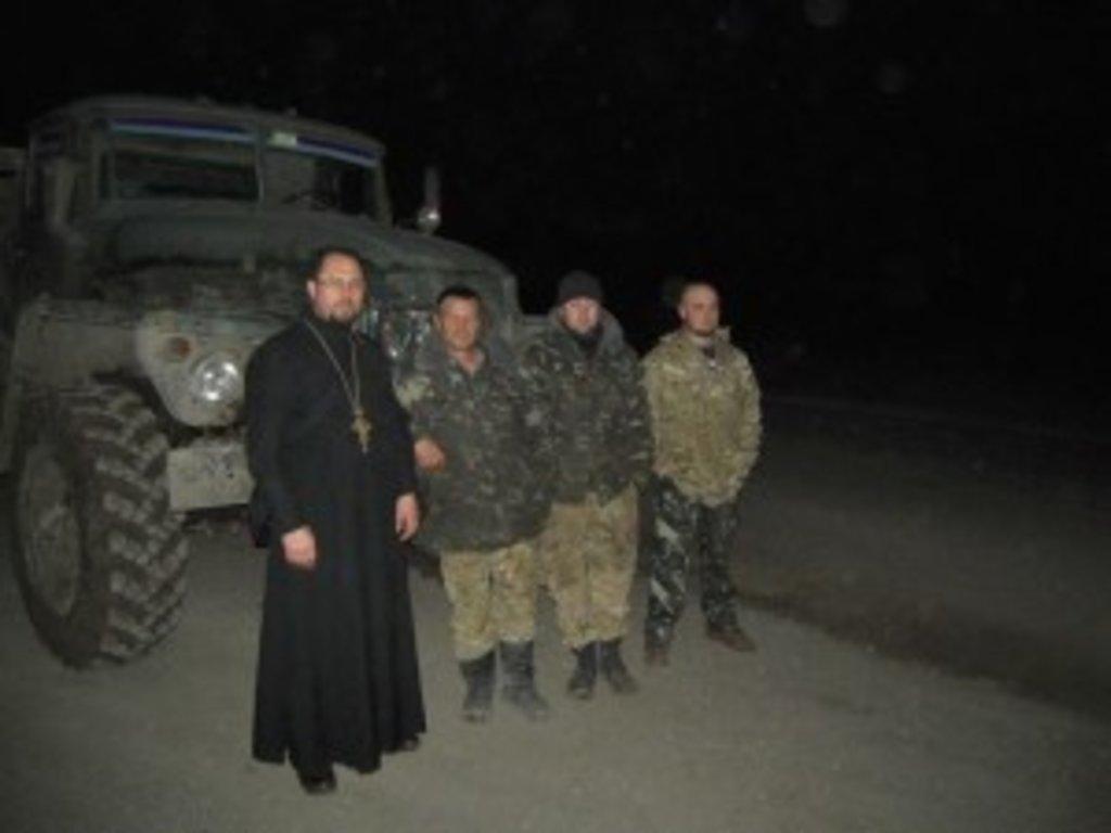 Клірики Вінницької єпархії регулярно відвідують воїнів та передають допомогу