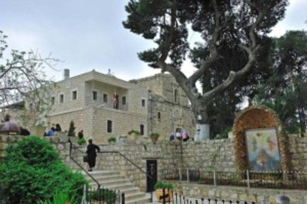 Православний монастир на вершині Фавору