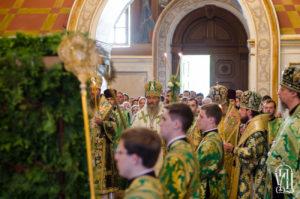 Накануне Пятидесятницы Предстоятель возглавил всенощное бдение в Киево-Печерской Лавре