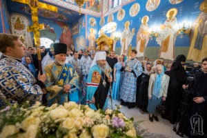 Блаженнейший Митрополит Онуфрий возглавил Божественную литургию в день престольного праздника в Академическом храме КДАиС (+видео)