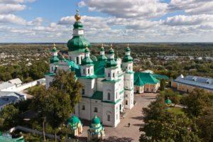 Предстоятель возглавил праздничное богослужение в Чернигове