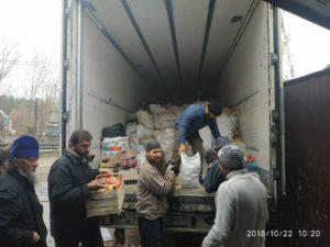 Православне подружжя з Вінничини доставило черговий — 17й транш допомоги в Святогірську Лавру
