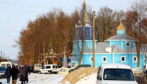 В с. Броница на Волыни рейдеры взломали двери храма УПЦ и напали на настоятеля