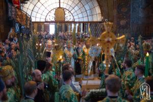 НаканунеНедели Ваий Предстоятель возглавил всенощное бдение в Киево-Печерской Лавре