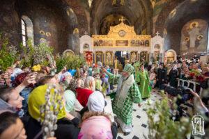 В Вербное воскресенье Блаженнейший Митрополит Онуфрий возглавил праздничное богослужение в Киево-Печерской Лавре (+видео)