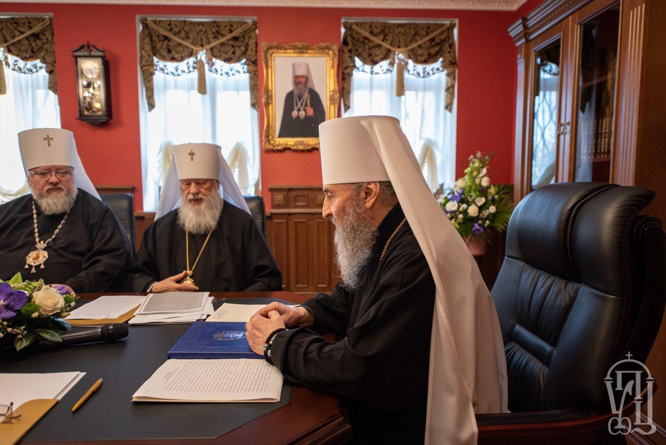 Засідання-Священного-Синоду-19 Всемирното Православие - Новини от Света