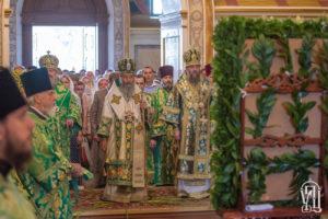 Напередодні П'ятидесятниці Предстоятель очолив всенічне бдіння у Києво-Печерській Лаврі