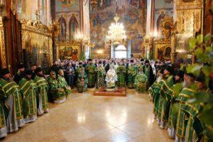 В день Пятидесятницы Блаженнейший Митрополит Онуфрий принял участие в праздничном богослужении в Троице-Сергиевой Лавре