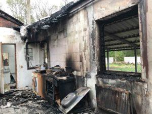 Семью священника пытались сжечь заживо в собственном доме (+реквизиты)