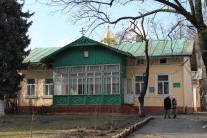 В Ивано-Франковске общину УПЦ снова пытаются выселить из храма и епархиального управления