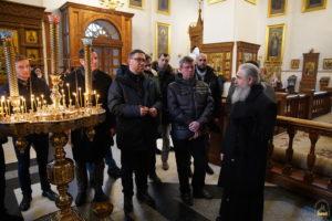 Посли країн Балтії та Польщі у рамках офіційного візиту на Донбас відвідали Святогірську Лавру