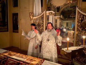 В єпархіях УПЦ помолилися за упокій душ загиблих під час трагічного протистояння на Майдані