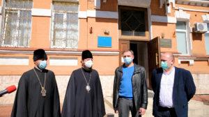 УПЦ передала у столичні медичні центри 13 тисяч тестів на виявлення короновірусу