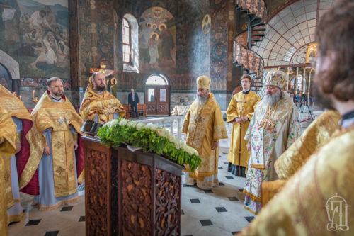 У Неділю 7-му після Пасхи Предстоятель очолив Божественну літургію у Києво-Печерській Лаврі (+відео)
