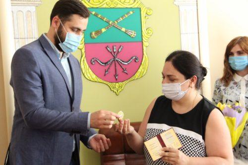 У Запоріжжі дружина священника отримала державну нагороду України «Мати-героїня»