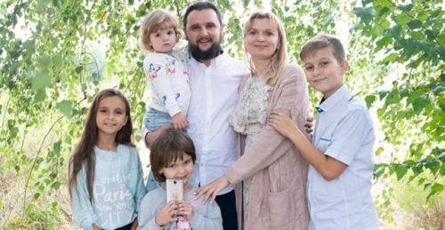 Розповідати про праведні родини є кращим методом відстоювання сімейних цінностей — о. Олександр Клименко