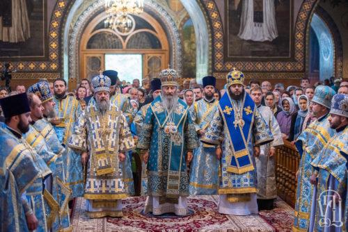 Предстоятель очолив Божественну літургію у день престольного свята Покровського монастиря столиці (+відео)