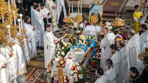 У кафедральному соборі Луганська попрощалися з новопреставленим митрополитом Іоанникієм