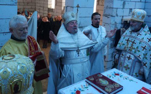Гонима парафія с. Несвіч на Волині у день престольного свята вперше молились у храмі, що будується