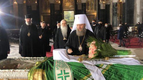 Керуючий справами УПЦ взяв участь у відспівуванні Патріарха Сербського Іринея в Белграді (оновлено, фото, відео)