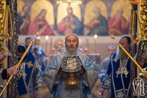 В день Введения во храм Пресвятой Богородицы Блаженнейший Митрополит Онуфрий возглавил Литургию в Киево-Печерской Лавре