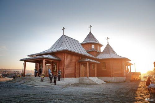 На Буковині митрополит Мелетій освятив два нові храми