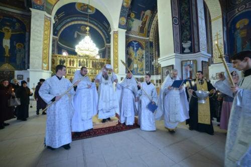 В Джанкойской епархии освятили храм в честь иконы Божией Матери «Живоносный источник», в Изюмской — часовню-купальню