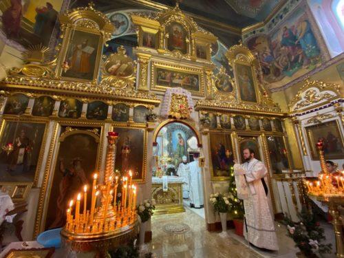 У Рівненській єпархії святили престол після реставрації та ремонту Варварівського храму