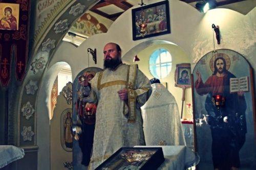 У Запоріжжі протягом декількох днів напали з ножем на двох священнослужителів УПЦ
