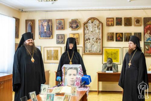 У Київській духовній академії відкрилась виставка до 150-річчя від дня народження Лесі Українки (+відео)