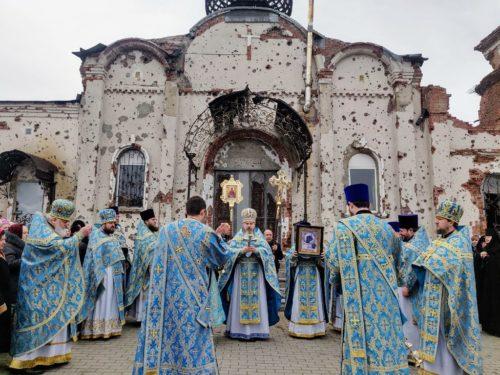 У відроджуваному з руїн Донецькому Іверському монастирі відзначили престольне свято