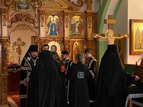 Два насельника мужского монастыря святых Косьмы и Дамиана в Крыму приняли иноческие постриги