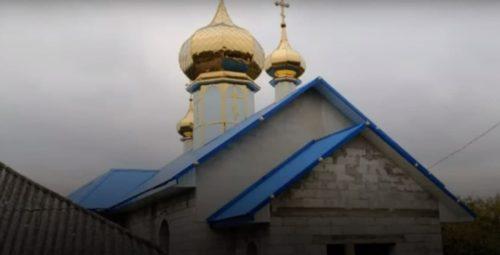 """На Буковині в селі Боянчук віряни менш як за рік побудували новий храм замість захопленого """"ПЦУ"""""""