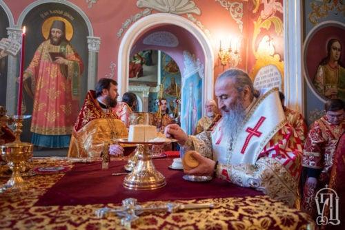 У день Антипасхи Предстоятель очолив Божественну літургію у Києво-Печерській Лаврі (+відео)