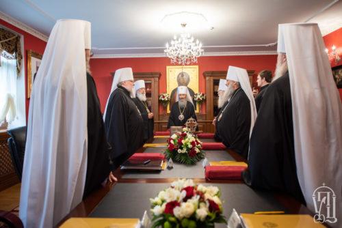 У Могилів-Подільській, Чернівецько-Буковинській та Львівській єпархіях утворено нові монастирі — Священний Синод УПЦ