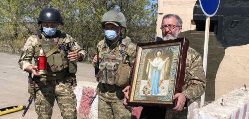 Військові священики УПЦ під час Пасхальної місії в зону ООС відвідали понад 10 міст
