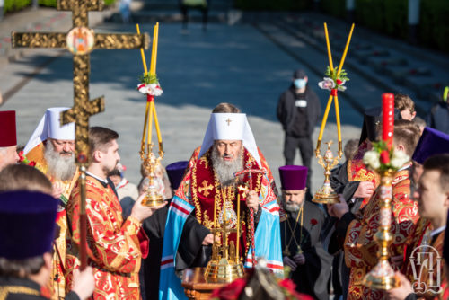 В День Победы Блаженнейший Митрополит Онуфрий совершил заупокойную молитву в столичном Парке Славы