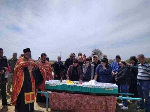 Священник Херсонської єпархії відспівав загиблого військового Володимира Шульца