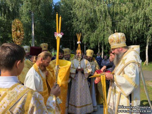 Клирик Нежинской епархии, которого избили радикалы во время Крестного хода, удостоен награды по благословению Предстоятеля УПЦ