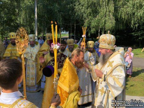 Клірик Ніжинської єпархії, якого побили радикали під час Хресного ходу, удостоєний нагороди з  благословення Предстоятеля УПЦ