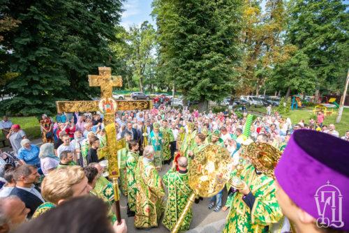 Блаженніший Митрополит Онуфрій очолив престольне свято храму на честь преподобного Серафима Саровського у Пущі-Водиці (+фото)