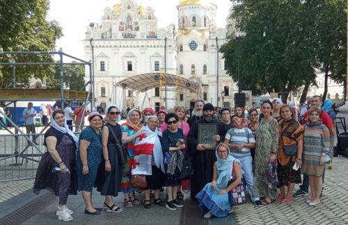 Паломники з Грузії взяли участь у святкуваннях Дня Хрещення Русі та вклоняються святиням України